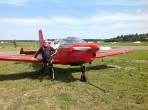 Гера Фотич берет уроки пилотажа!